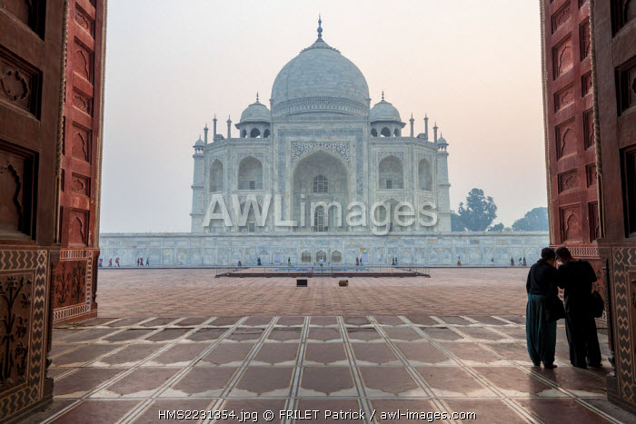 India, Uttar Pradesh state, Agra, the Taj Mahal listed as World Heritage by UNESCO