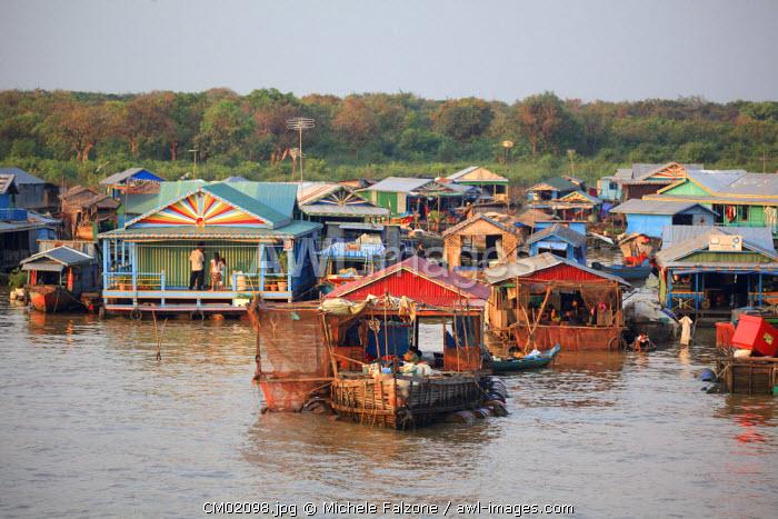 Cambodia, Tonle Sap Lake, Chong Kneas floating villages