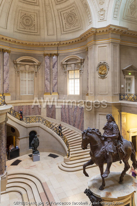Germany, Deutschland. Berlin. Berlin Mitte. Museum island, Museumsinsel. Bode Museum entrance hall with the Equestrian Statue of Frederick William I