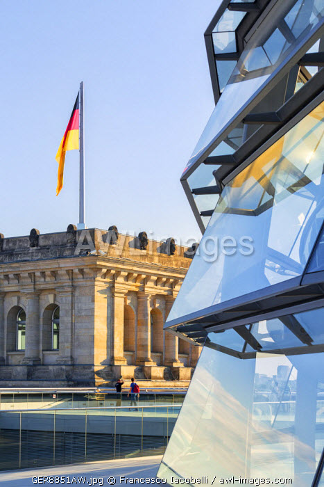 Germany, Deutschland. Berlin. Berlin Mitte. Reichstag Parliament Building, Reichstag, Bundestag. Palace with the crystal panoramic dome (Norman Foster architect), headquarter of German Parliament (Bundestag)