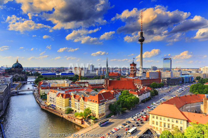 Germany, Deutschland. Berlin. Berlin Mitte. Berlin overview with the Cathedral, the television tower and the Spree river