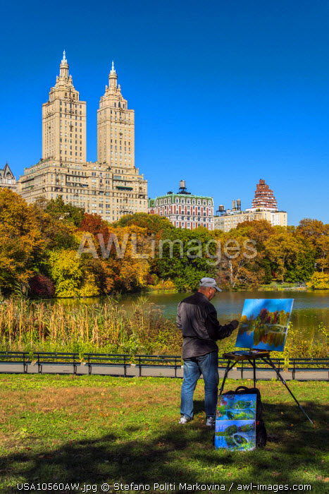 Man painting at Central Park, Manhattan, New York, USA