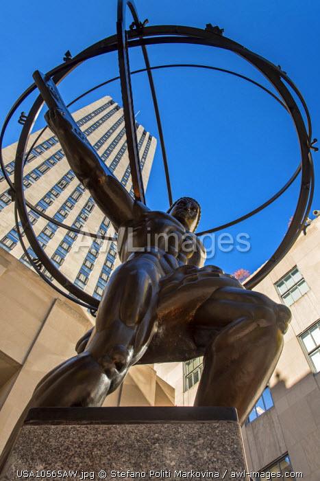 Bronze statue of Atlas in front of Rockefeller Center, Manhattan, New York, USA
