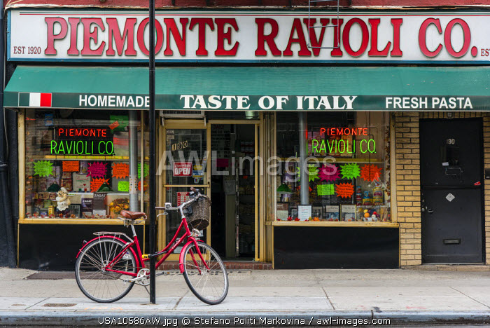 Italian specialities shop, Little Italy, Manhattan, New York, USA