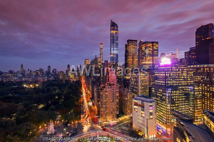 City skyline at dusk with Central Park, Manhattan, New York, USA