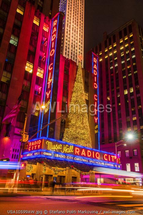 Night view of Radio City Music Hall, Rockefeller Center, Manhattan, New York, USA