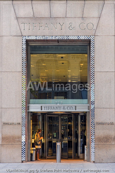 Tiffany and Co, jewelry store, Fifth Avenue, Manhattan, New York, USA