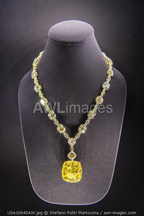 Tiffany Yellow Diamond on display at Tiffany and Co, jewelry store, Fifth Avenue, Manhattan, New York, USA