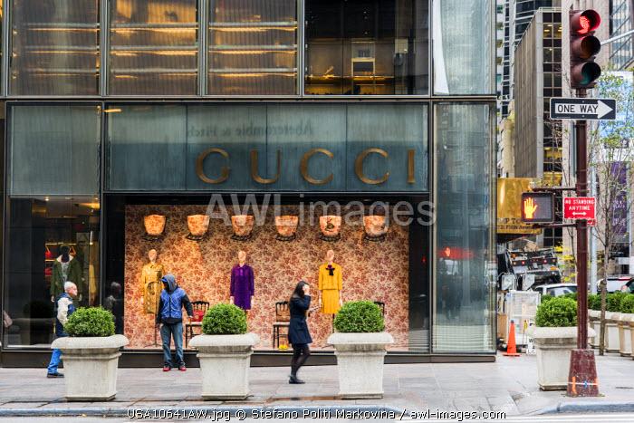 Gucci store, Fifth Avenue, Manhattan, New York, USA