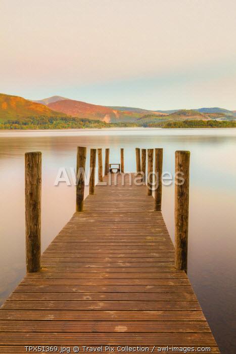 England, Cumbria, Lake District, Derwentwater, Wooden Jetty