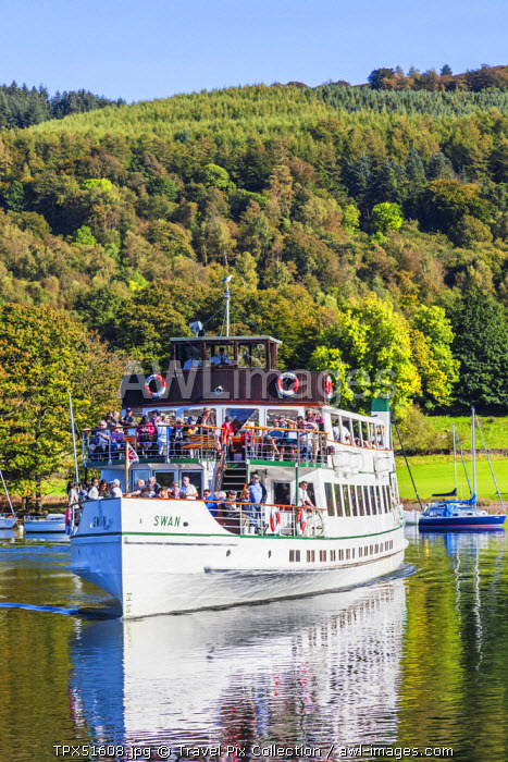 England, Cumbria, Lake District, Windermere, Excursion Steamboat