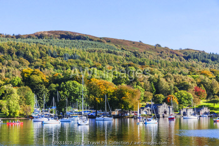 England, Cumbria, Lake District, Windermere, Lakeside, View of Newby Bridge