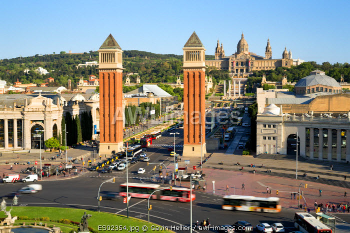 Palace Nationale, Place Espanya, Barcelona, Catalunya, Spain - Time lapse