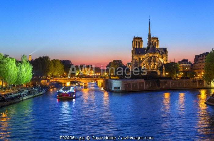 Notre Dame cathedral and the River Seine, Paris, France, Europe