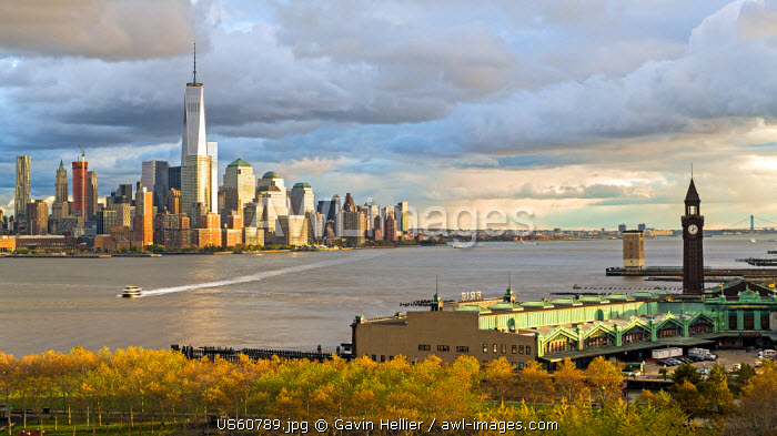 One World Trade Center and Downtown Manhattan across the Hudson River, New York, Manhattan, USA
