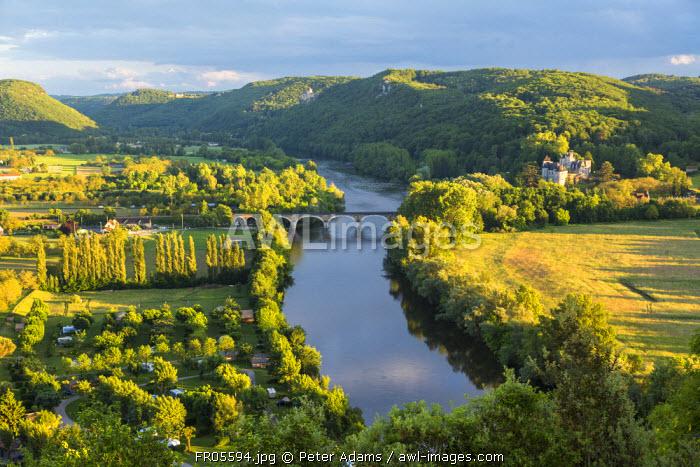 View over Dordogne River, Beynac-et-Cazenac, Beynac, Dordogne, France
