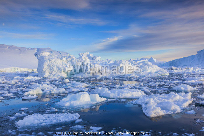 awl-images.com - Greenland / Greenland, Disko Bay, Ilulissat, floating ice at sunset