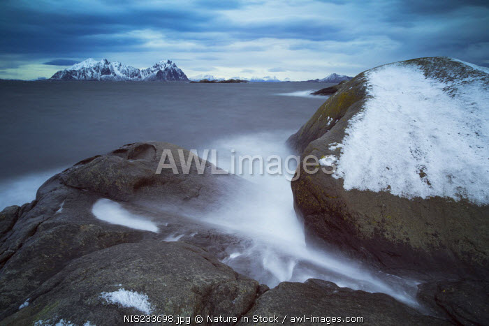 awl-images.com - Norway / Waves rolling over the rocks, Norway