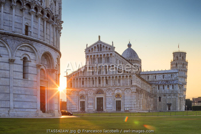 Italy, Italia. Tuscany, Toscana. Pisa district. Pisa. Piazza dei Miracoli. Baptistery, Cathedral and Leaning Tower.