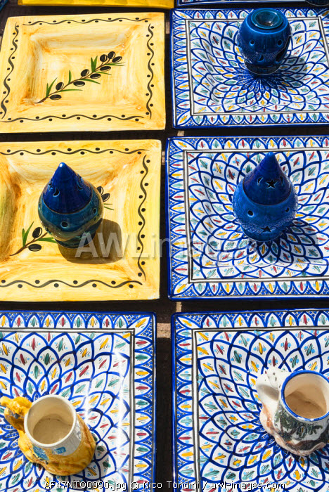 awl-images.com - Tunisia / Pottery for sale, Tabarka, Tunisia, North Africa