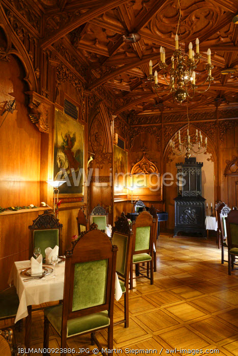 awl-images.com - Germany / Knights hall in the Landsberg Castle Hotel, Meiningen, Rhoen, Thuringia, Gerrmany