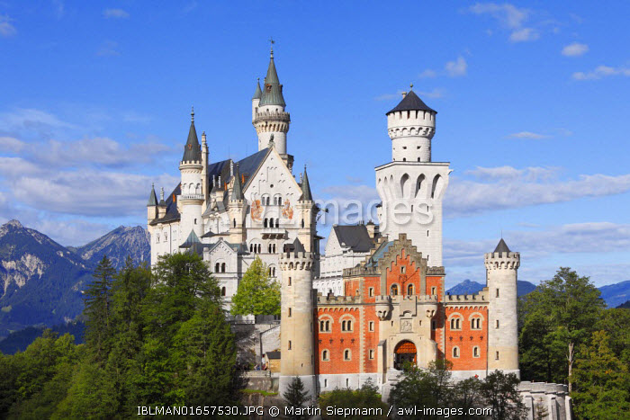 awl-images.com - Germany / View from the east, Schloss Neuschwanstein Castle, Ostallgaeu, Allgaeu, Schwaben, Bavaria, Germany