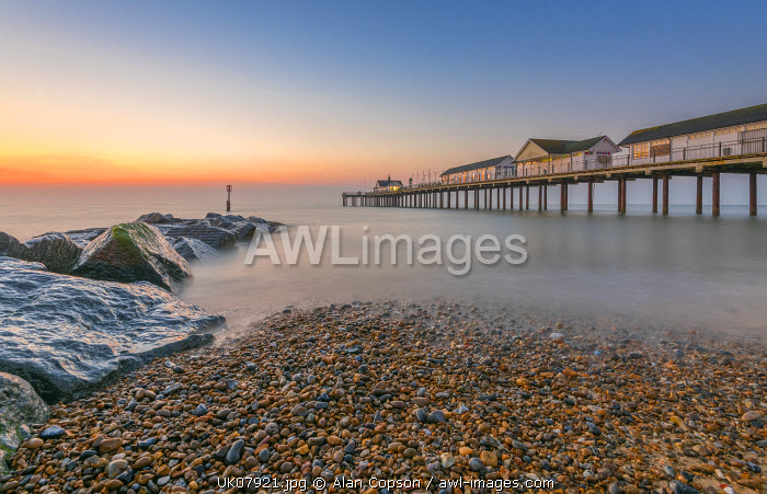 UK, England, Suffolk, Southwold, Southwold Pier at dawn