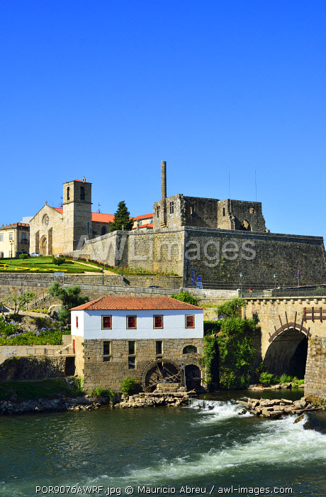 The historic site of Barcelos and the medieval bridge that is used by the pilgrims on the way to the Camino de Santiago (Way of St. James). Barcelos, Portugal