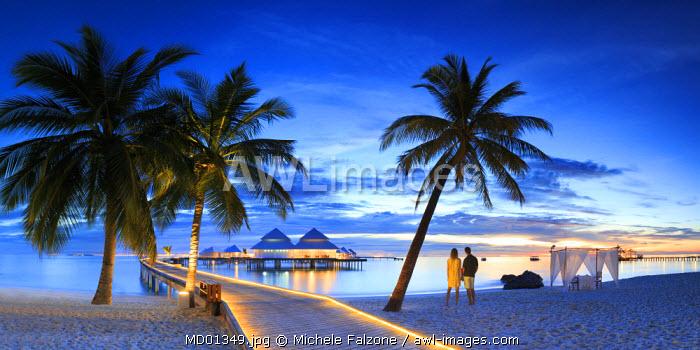 Maldives, South Ari Atoll, Thudufushi Island, Diamonds Thudufushi Resort (MR)