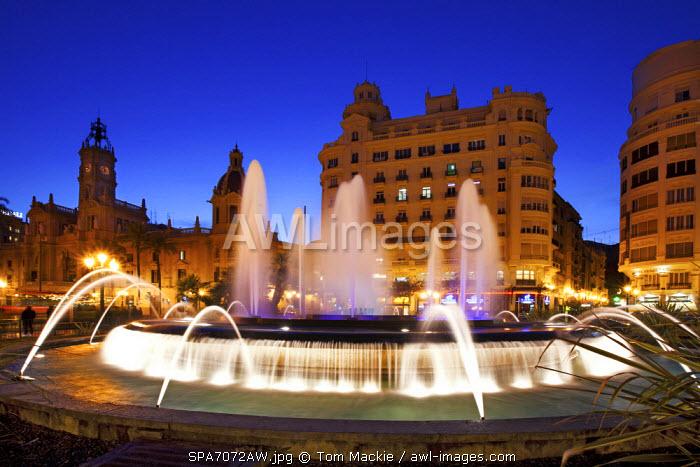 Fountain in Plaza del Ayuntamiento, Valencia, Spain