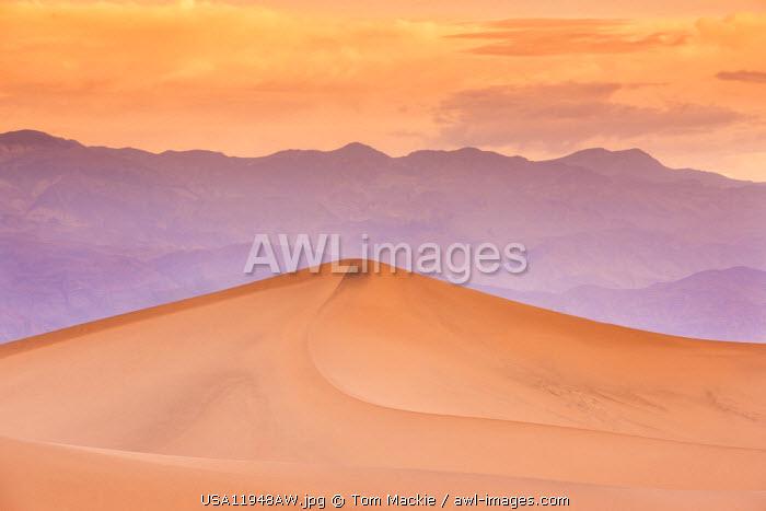 Mesquite Dunes, Death Valley National Park, California, USA