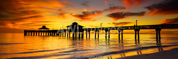Fort Myers Pier at Sunset, Fort Myers, Florida, USA