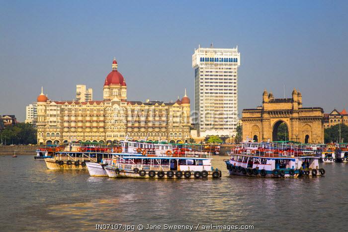 India, Maharashtra, Mumbai, Taj Mahal Palace Hotel and Gateway of India