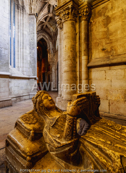 Portugal, Lisbon, Se Cathedral Ambulatory, Chapel of Santa Ana, Gothic sarcophagus of the portuguese princess.