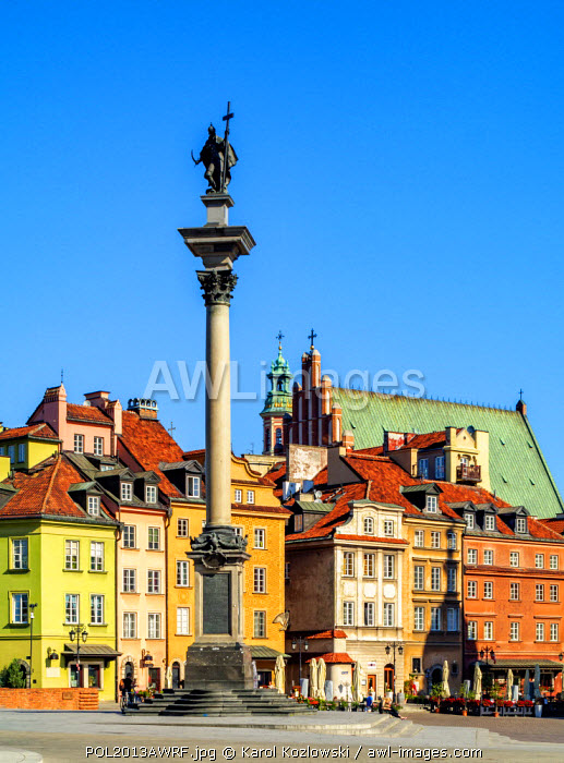 awl-images.com - Poland / Poland, Masovian Voivodeship, Warsaw, Old Town, Castle Square, Sigismund's Column with Old Town in the background