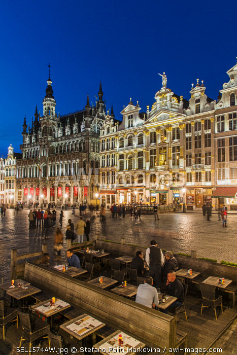 Night view of Grand Place with Maison du Roi and other guildhalls, Brussels, Belgium