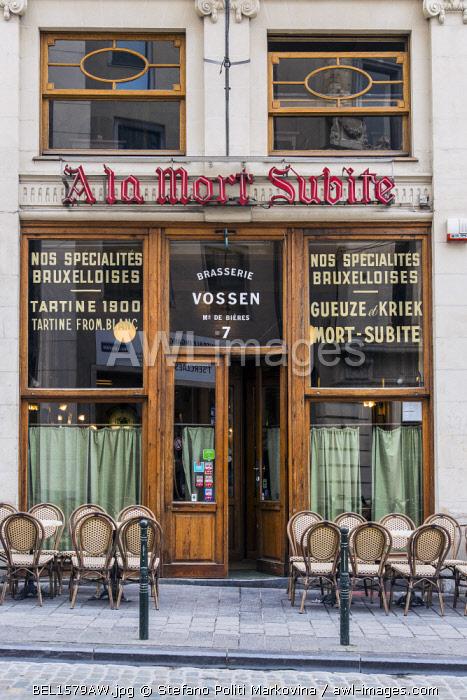 The historical A La Morte Subite brasserie restaurant, Brussels, Belgium