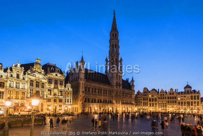 Night view of Grand Place with Hotel de Ville (City Hall) building, Brussels, Belgium