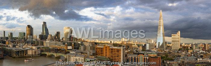 Europe,United Kingdom, England, London, Skyline