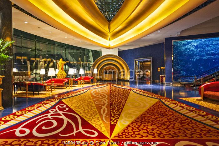 Interior lobby and reception of the luxury 7 Star Burj Al Arab Hotel designed by the architects Atkins, Um Suqaim Second, Dubai, Dubayy, United Arab Emirates.