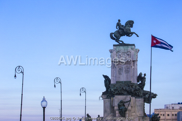 Cuba, Havana, Malecon, Monument to Lieutenant-General Antonio Maceo, known as the �Bronze Titan' and hero of the Wars of Liberation.