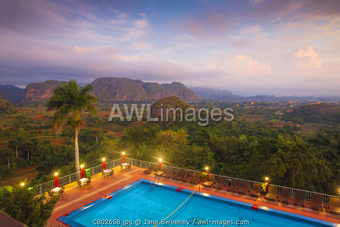 awl-images.com - Cuba / Cuba, Pinar del Río Province, Vinales, View over Hotel Horizontes Los Jazmines swimming pool to Vinales valley