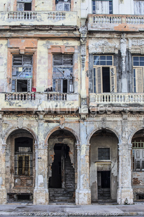 Cuba, Havana, Old historical builings on the Malecon