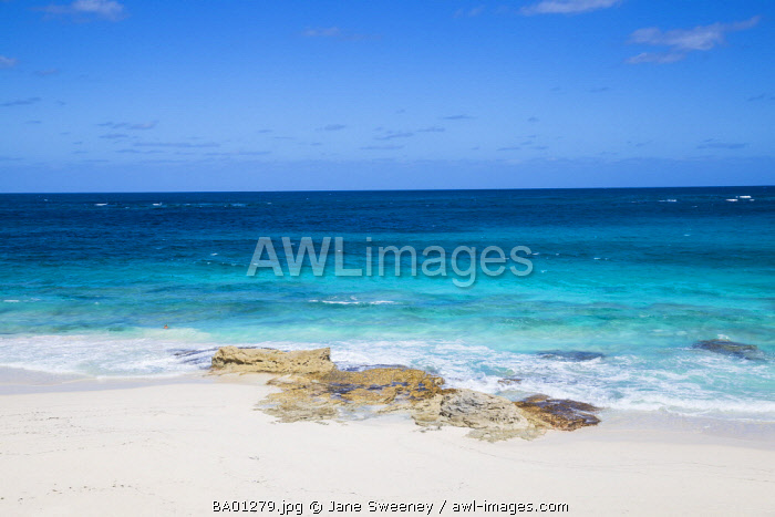 Bahamas, Abaco Islands, Great Guana Cay, Beach at Nippers bar