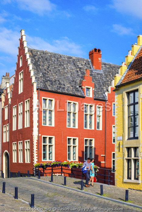 Belgum, Vlaanderen (Flanders), Ghent (Gent). Colorful houses in Braderijstraat in historic city center of Ghent.