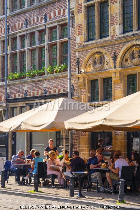 Belgum, Vlaanderen (Flanders), Ghent (Gent). People eating at outdoor restaurant terraces on sunny afternoon.