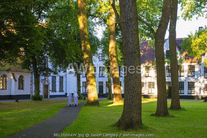 Belgium, West Flanders (Vlaanderen), Bruges (Brugge). Begijnhof (Beguinage) of Bruges.