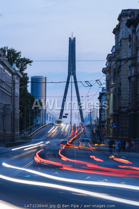 Vansu Tilts Bridge at twilight, Riga, Latvia, Baltic States, Europe