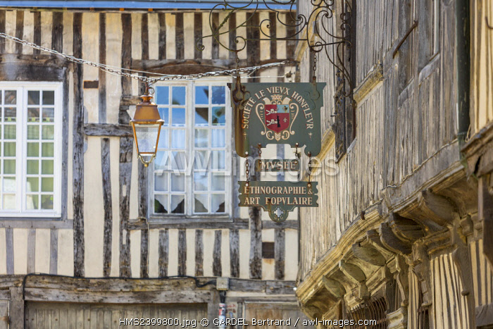 France, Calvados, Pays d'Auge, Honfleur, the streets of the historic center