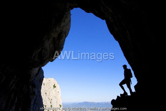France, Bouches du Rhone, Pays d'Aix, Saint Antonin sur Bayon, Montagne Sainte Victoire, the abyss of Garagai